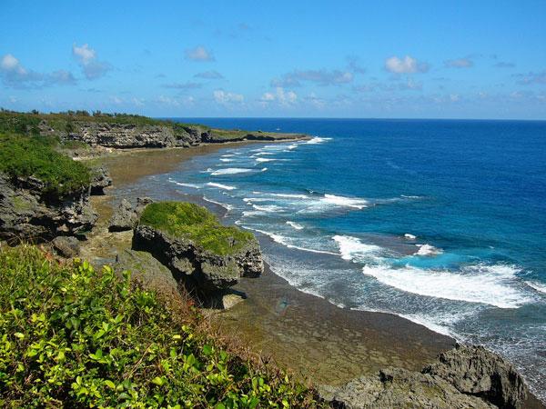 沖縄の離島に光ファイバー敷設
