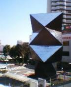 川越駅前の巨大なアート