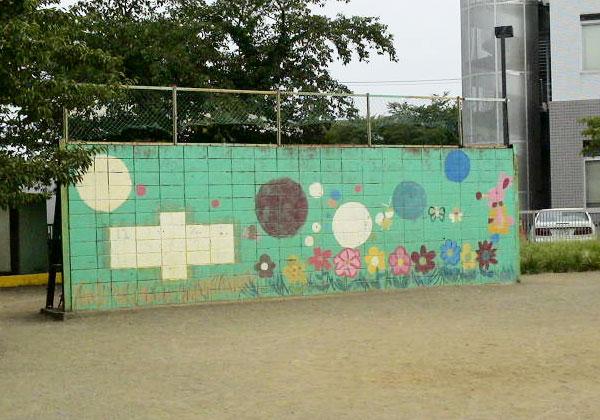 上福岡市、上野台小学校の壁画