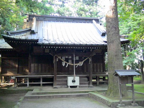 生品神社で新田義貞とゲバラ、カストロを想う
