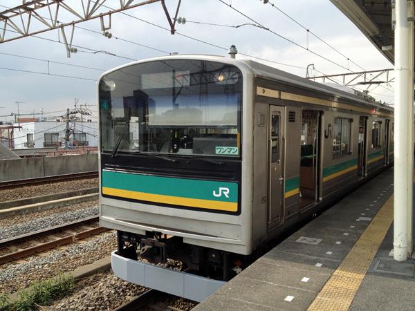 鶴見線、京浜工業地帯を走る鉄道小旅行へ