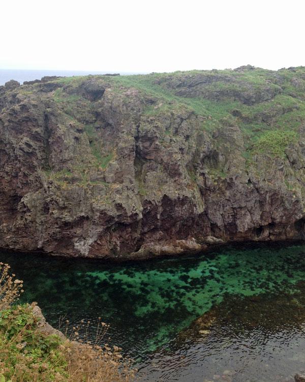 飛島・館岩