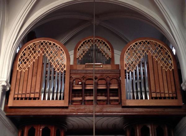 鶴岡カトリック教会のオルガン