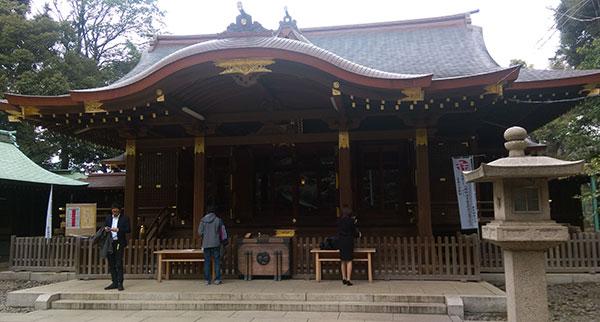 新しい部署のメンバーで渋谷氷川神社へ