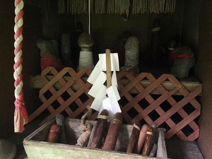 程洞稲荷神社(遠野)のコンセイサマ