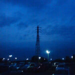 駐車場の夕景