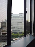 オフィスの窓