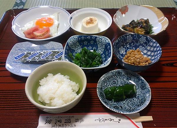 羽黒館の朝食