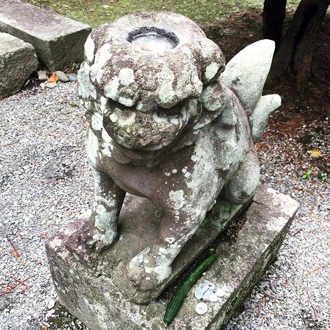 常堅寺・カッパ狛犬(遠野)