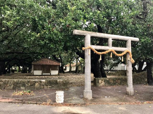 長崎御嶽(石垣島)