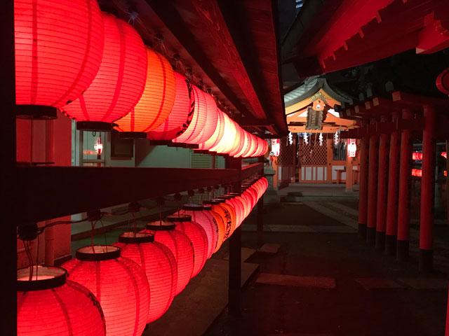 夜の豊栄稲荷神社