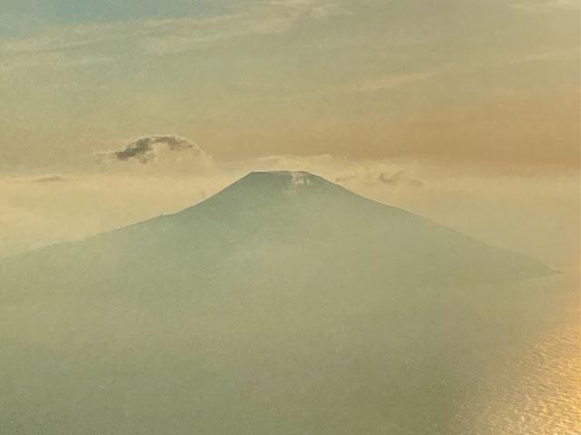 八丈富士の夕景