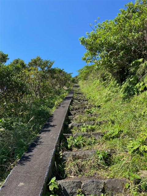 八丈富士の登山道
